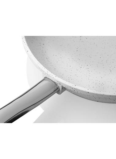 Taç Granit Döküm Tava 24 Cm Beyaz Renkli